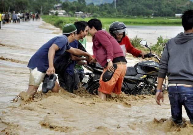 Manipur, Manipur Floods, manipur Landslide, Imphal Floods, Kolkata Floods, Odisha Floods, Bengal Floods, Floods in Manipur, Landslide in Manipur, Heavy rainfall in Manipur, 20 killed in Manipur, 20 Killed in manipur Landslide, india News