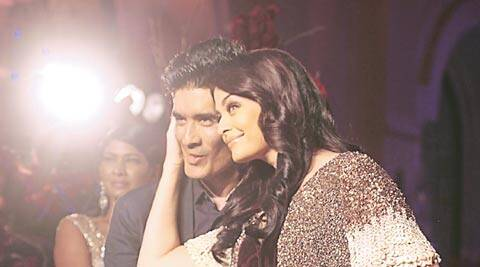 Final Touch: A peek into the creative chaos at Manish Malhotra's AICW 2015 finale