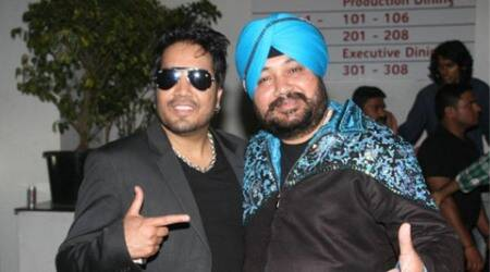 Mika Singh shares screen space with 'Daler paaji'