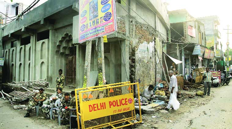 idols outside mosque, mosque and idol, idol news, communal tension, community tension, delhi news, indian express