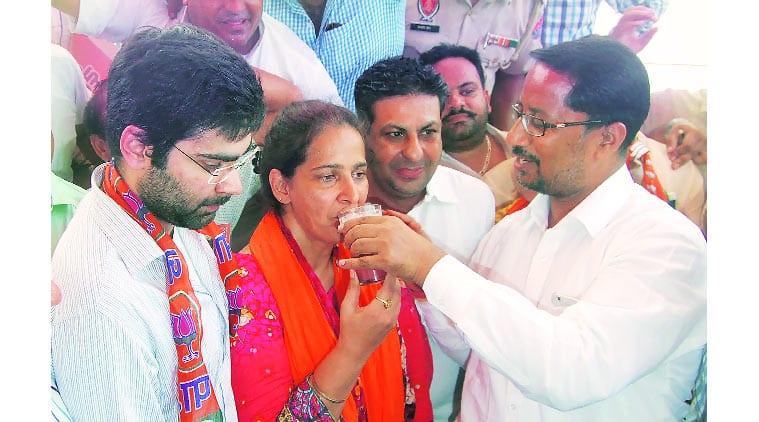 Navjot Kaur Sidhu, BJP, CPS, hunger stiek, hunger strike eneded, SAD-BJP, constituency fund, chandigarh news, indian express