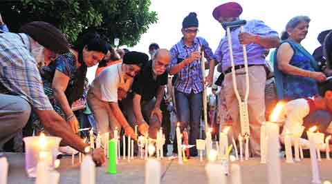 Over 1,000 join candle light vigil for OROP