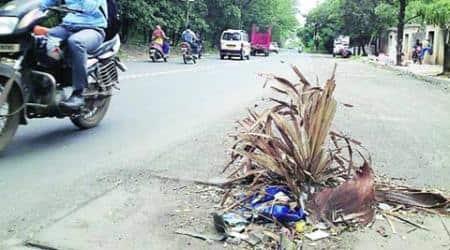 Open manholes, no streetlights make this 2-km road in Kondhwa a killerstretch