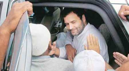 Rahul Gandhi's roadside tea break takes security personnel by surprise