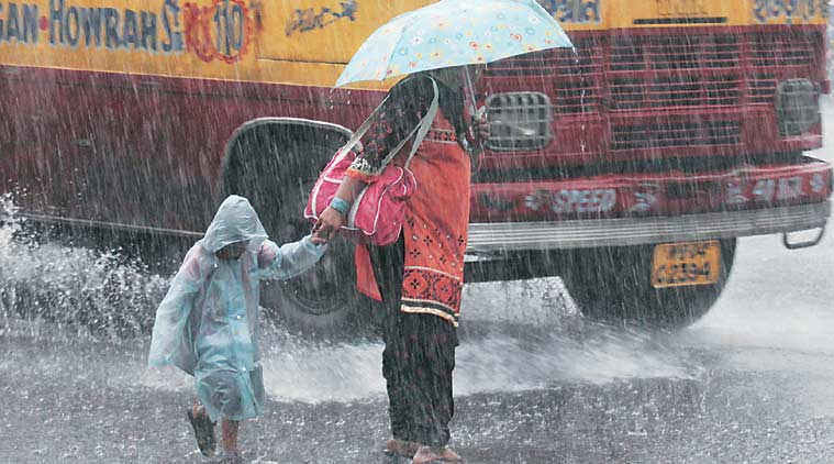 Heavy downpour cripples life in Kolkata, state toll up to 85 | Cities  News,The Indian Express