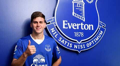Everton sign Uruguayan striker Leandro Rodriguez