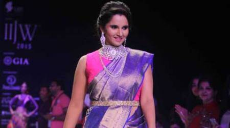 Sania Mirza dazzles on ramp at jewellery week, says is fond of jewellery like any other girl