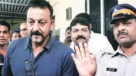 Maharashtra govt to oppose remission of Sanjay Dutt's sentence