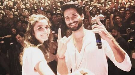 Alia Bhatt comes to Shahid Kapoor's rescue; blocks marriage question again
