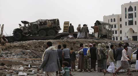 Yemen pro-govt troops retake Houthi rebel-held base in south