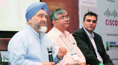Ties-ups between industries, universities can boost 'Make in India' campaign:Solanki