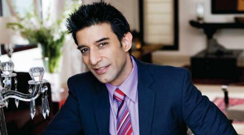 Don't encourage Bollywood celebrities on ramp: Suneet Varma