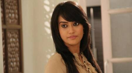 Surbhi Jyoti sports dental braces for new look in show