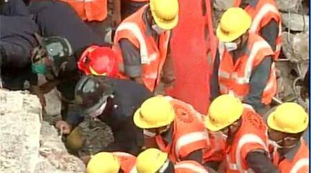 10 dead, 7 others injured in building collapse in Thane