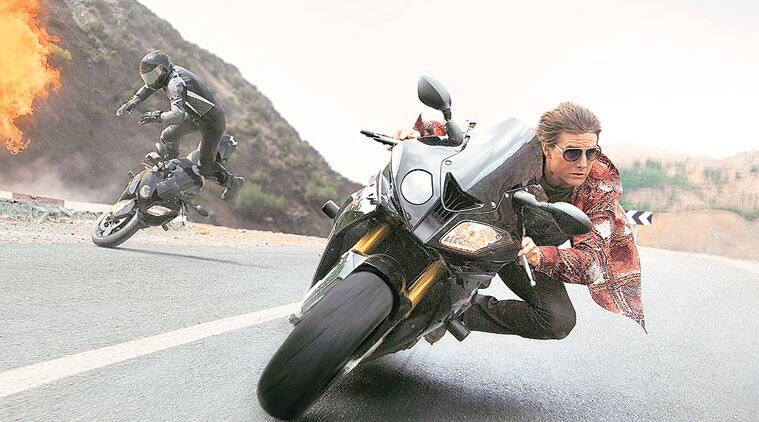 Acting Like A Boss: Tom Cruise continues to woo, stand and ...