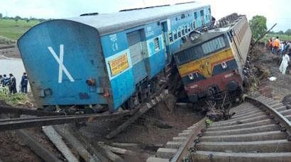 Kamayani Express, Janata Express derail in Madhya Pradesh, dozens killed