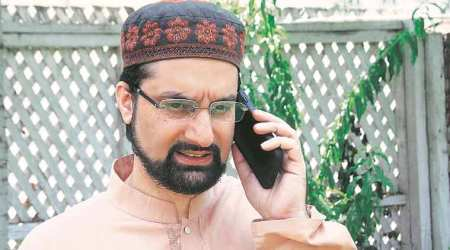 Separatists stopped from holding meeting, Mirwaiz put house arrest