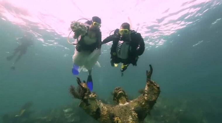 Watch video: How this couple got married underwater