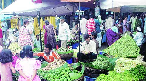 vegetable price, reduced vegetable price, vegetables, pune vegetables price, pune news, indian express