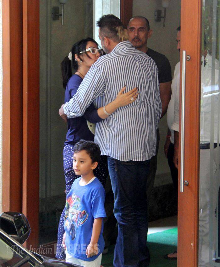 Sanjay Dutt hugs wife Maanyata, twins Iqra, Shahraan as he