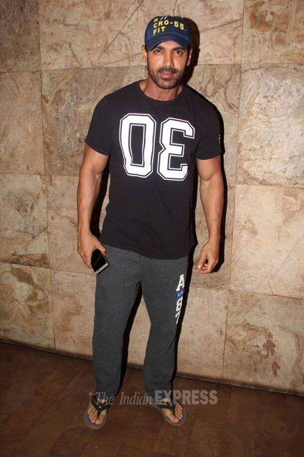 Varun Dhawan, welcome back, welcome back news, john abraham, arjun kapoor, anil kapoor, sohail khan, ameesha patel, salim khan , welcome back cast, entertainment, bollywood, welcome back screening pics