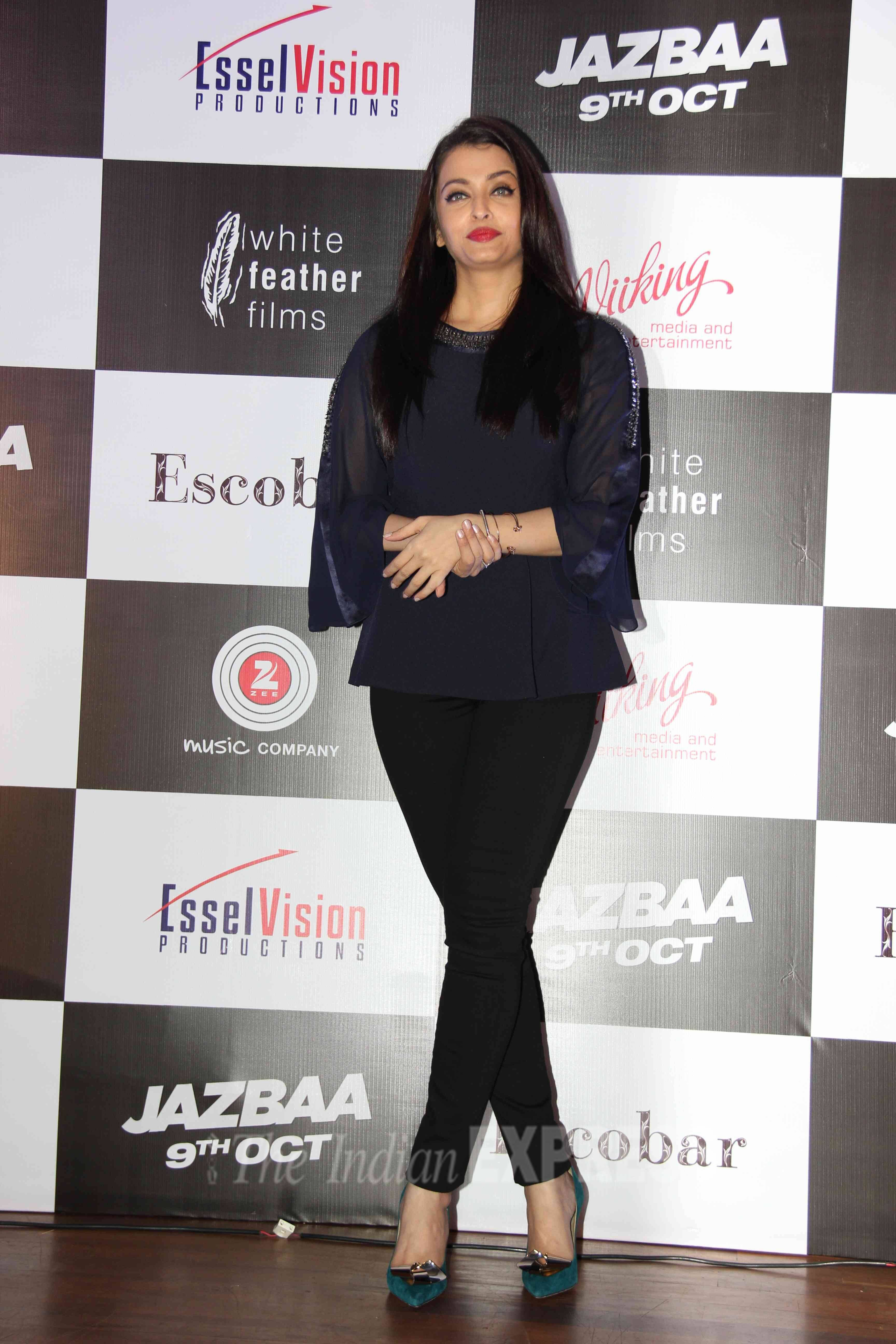 Aishwarya Rai Bachchan Does The Former Beauty Queen