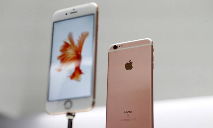 Apple touts environmental upgrade in latest iPhone 6s, 6s Plus (Source: Reuters)