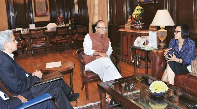 Finance Minister Arun Jaitley (centre) and Economic Affairs Secretary Shaktikanta Das (left) in talks with World Bank MD Mulyani Indrawati in New Delhi on Thursday. (Source: PTI)