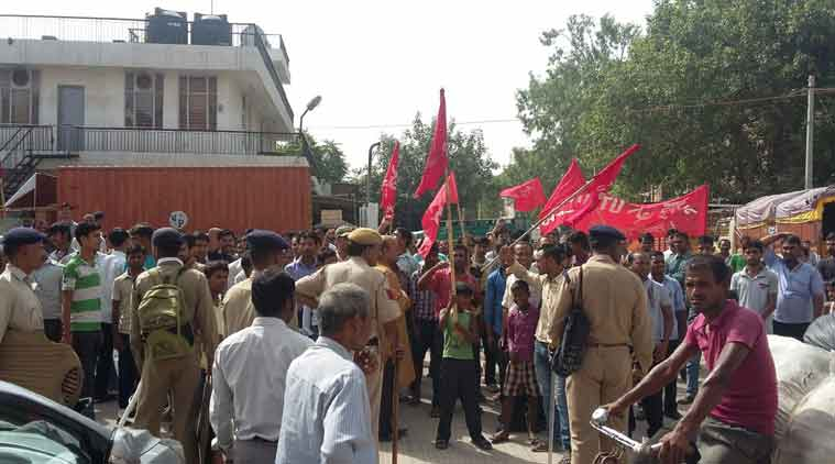 LIVE: Bharat bandh call by trade unions affects banking, transport services