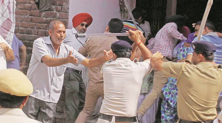 Lathicharged at UT Government Employees CHB Housing Welfare Society at Rally ground in sector 25 Chandigarh on Sunday, September 06 2015. Express Photo by Sahil Walia