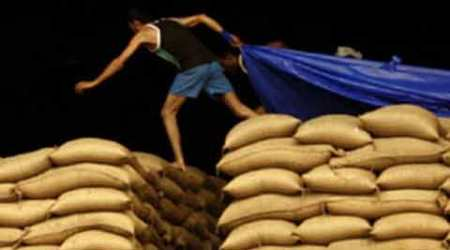 Distribution of food ration: Congress starts signature campaign againstBJP
