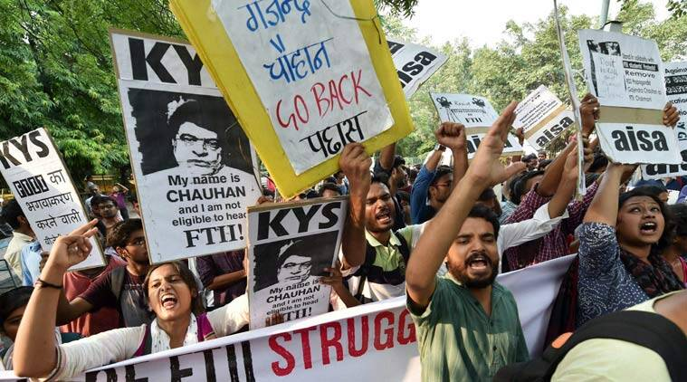 FTII students agitate for the removal of the FTII Chairman Gajendra Chauhan at Jantar Mantar in New Delhi. File Photo