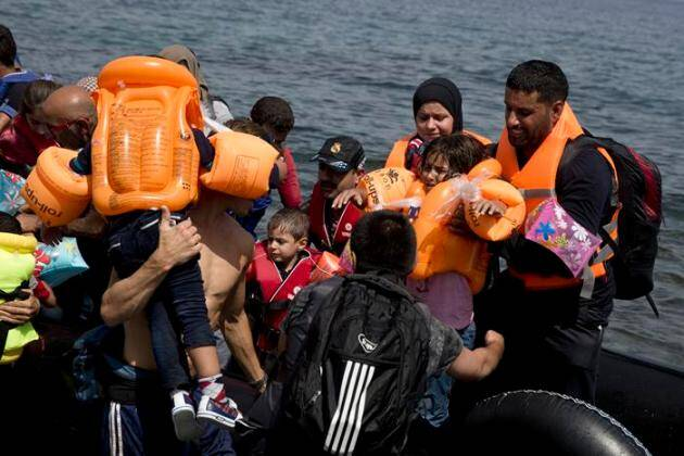 migrant crisis, migrant crisis europe, migrant crisis divides europe, syrian refugee child, syrian refugee crisis, syrian refugee crisis 2015, Greece Migrants, Europe Migrant, Syrian Migrants, Migrant Crisis in Europe