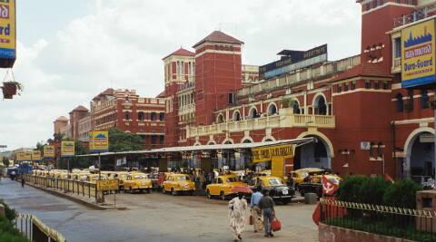 Diary Item: Platform tourism in Calcutta