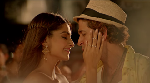 Hrithik Roshan, Sonam Kapoor's 'Dheere Dheere' racing towards 5 mn views