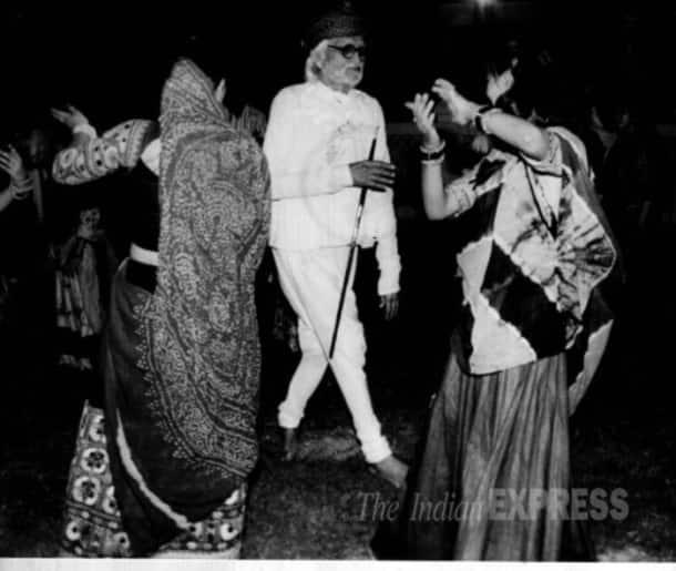 M F Hussain, 100th Birthday, M F Hussain birthday, Madhuri Dixit, Shah Rukh Khan, Amitabh Bachchan, M F Hussain pictures, M F Hussain exhibition, M F Hussain Madhuri, M F Hussain Shah Rukh, M F Hussain Amitabh, M F Hussain birth anniversary, Entertainment news