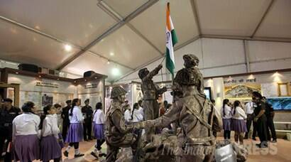 Shauryanjali, Shauryanjali Exhibition, Shauryanjali inauguration, Shauryanjali Exhibition Begins, Arun Jaitley, Manohar Parrikar, Arup Raha, MMS Rai, RK Dhowan, Indo Pak War Exhibition, Indo Pak war 1965, Indo Pak war Golden jubilee, India gate, indian Army, indian navy, Indian Air Force, Indian Soldiers, Indo Pak 1965 war Demostration, Indo Pak war Demo, India Pakistan War 1965