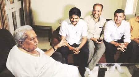 Before key meet with CM Anandiben Patel, Hardik visited KeshubhaiPatel