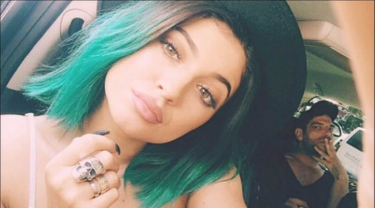 Kylie Jenner, Kylie Jenner news, Kylie Jenner photos, Kylie Jenner green hair, Kylie Jenner chris brown concert, chris brown concert