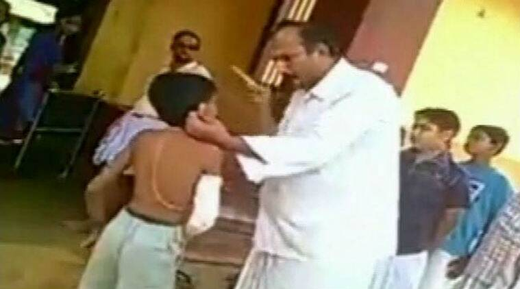 mangalore teacher, student thrashed mangalore, teacher thrashes student