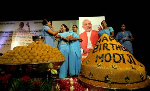Narendra Modi, Birthday, Modi birthday pictures, Narendra Modi birthday, Sulabh International, Modi Sulabh international, Sulabh international modi birthday, Narendra modi pics, The Indian Express