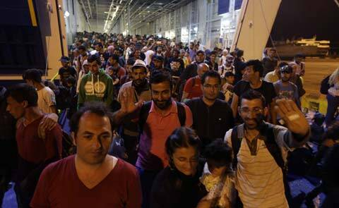 migrants, europe migrant, eu, european union, eu migrant situation, eu migrants, hungary, budapest, budapest station, hungary railway station, migrants stopped boarding train, migrants hungary train, migrants budapest train, world news, migrant news, eu news, europe news, latest news