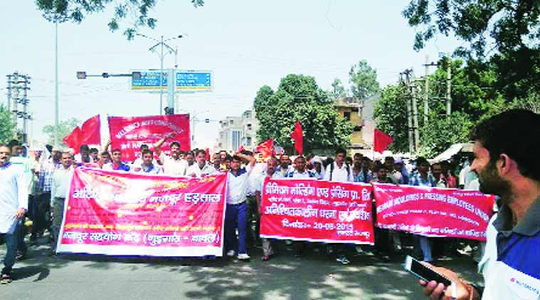 bharat bandh, trade union strike, bharat bandh 2015, bharat bandh latest news, bharat bandh on 2nd september 2015, bharat bandh 2nd september, nationwide strike, nationwide strike in india, union strike, union strike news, latest news, latest news india