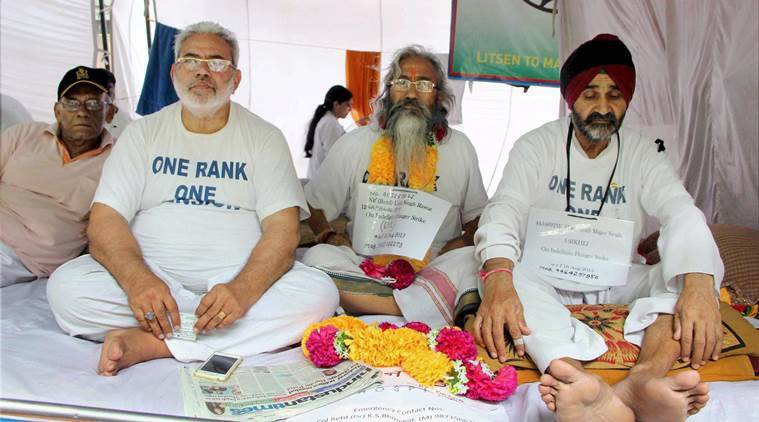 Ex-servicemen undergoing hunger strike for the implementation of one rank, one pension at Jantar Mantar in New Delhi (PTI photo)