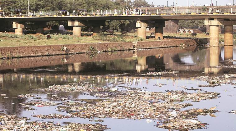 Highly polluted Mutha River near corporation. Express photo by Arul Horizon, 06-01-2014, Pune