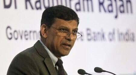 Reserve Bank of India (RBI) Governor Raghuram Rajan speaks during a gathering of industrialists and bankers in Mumbai, India, September 18, 2015. The head of India's central bank, under pressure from the government and corporates to cut rates, said on Friday that his greatest task would be to keep inflation low not just now, but also in the future. REUTERS/Shailesh Andrade