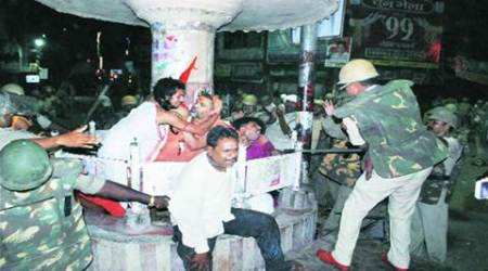 ganesh immersion, lucknow police, up police, police hit idol immersion, up police riot, india news, lucknow news