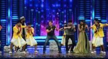 Salman Khan, Athiya, Sooraj's dance off with trained dancers on Dance +
