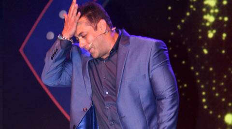 Female fans rob Salman Khan at a high-end night club