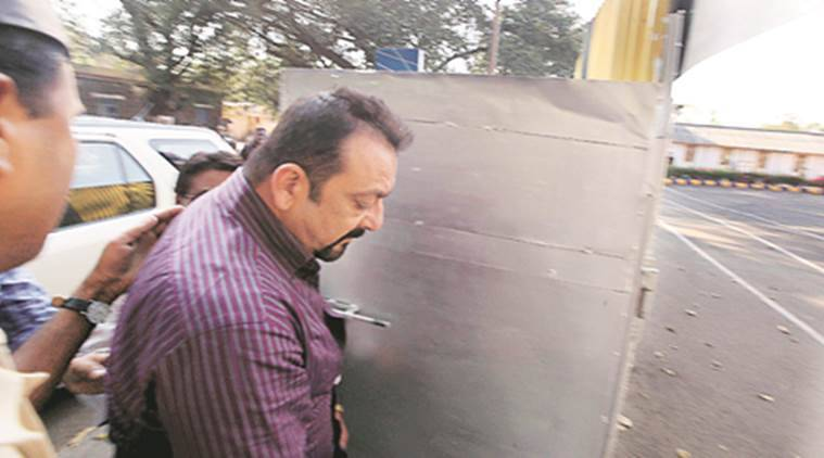 sanjay dutt, sanjay dutt release, yerwada jail, 1993 mumbai serial blast, mumbai blast, sanjay and mumbai blast, pune news